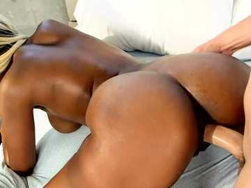 Well-made dark-skinned queen Lucy Raquel fucks guy doggy-style
