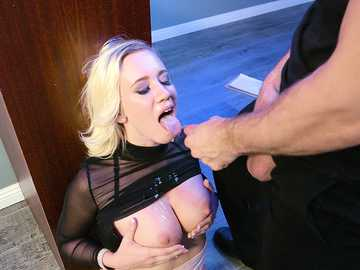 Majestic blonde with fake knockers Bailey Brooke gets facialized by big bouncer Bill